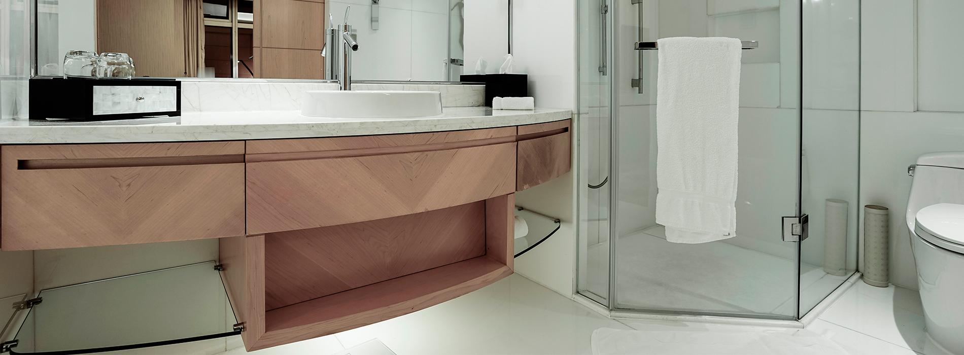 Estilo moderno para reformas de baño