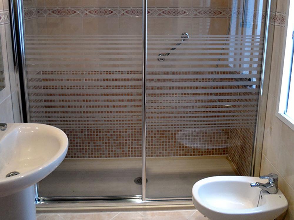 Mamparas y azulejos para duchas