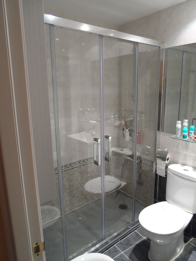 Doble puerta para ducha