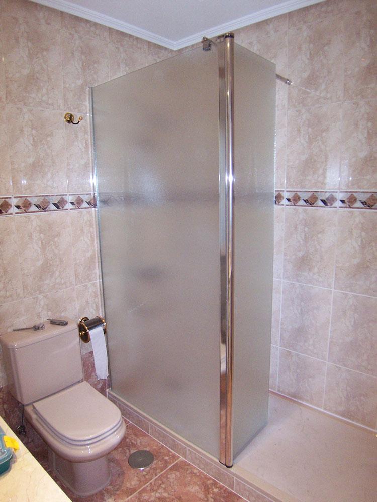 Mamparas opacas para baño