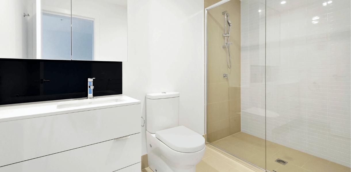 Ventajas de cambiar tu bañera por plato de ducha